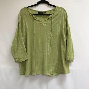 AVENUE green lightweight blouse
